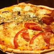 Pizza-Pizzaria-430x511